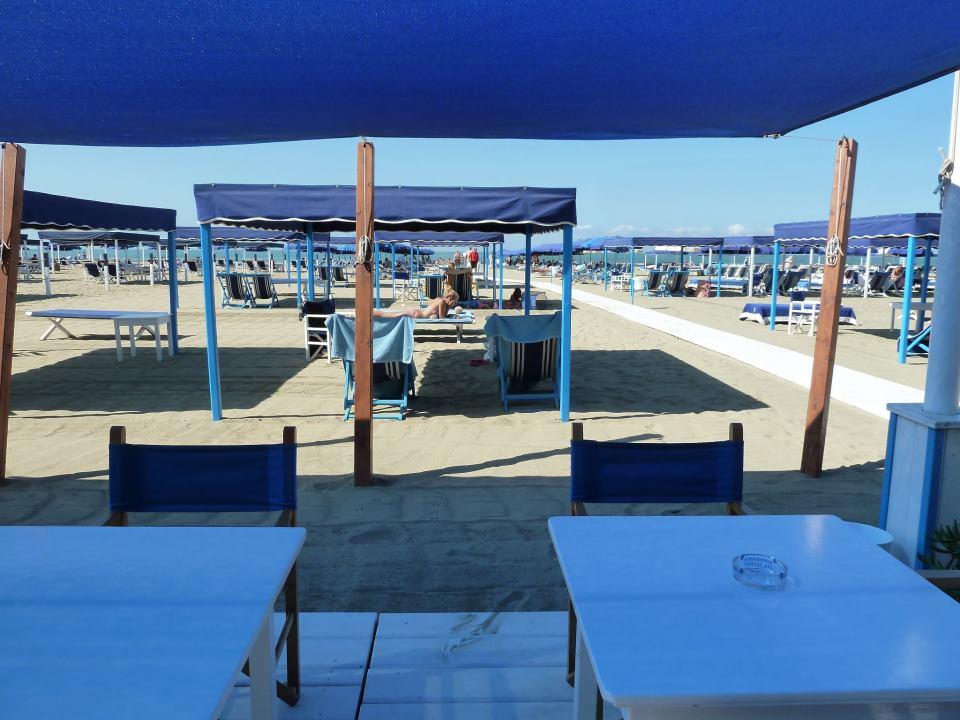 Four gorgeous italian villas close to the coast blog by bookings for you - Bagno vasco forte dei marmi ...